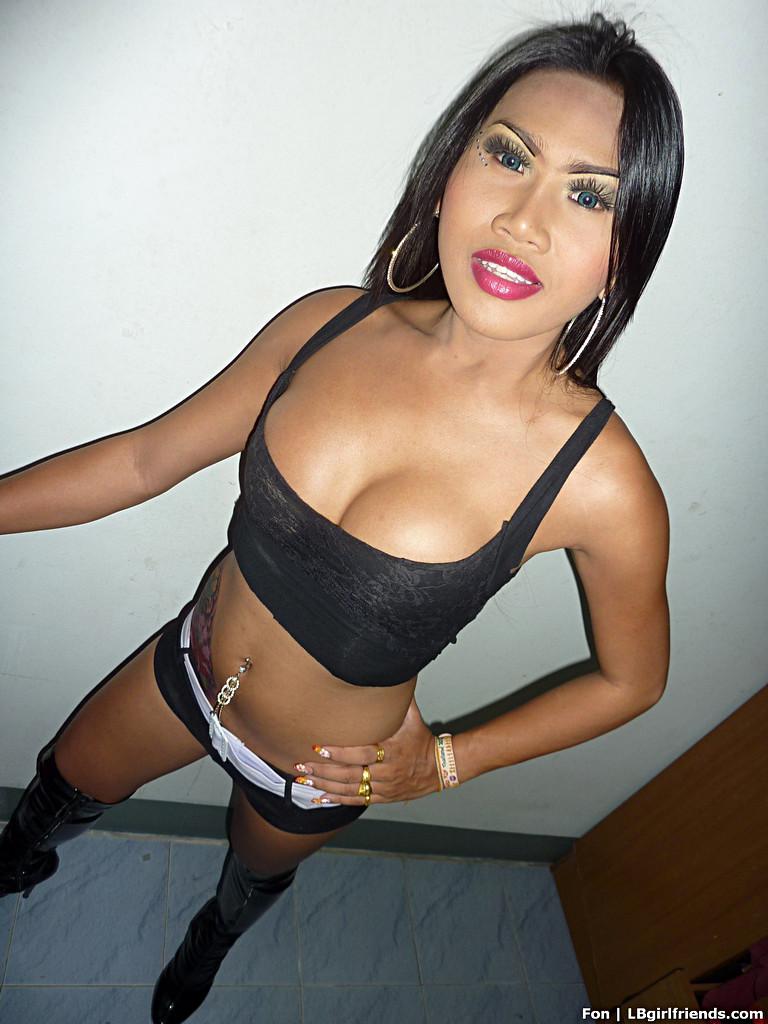 Amateur T-Girl Fon