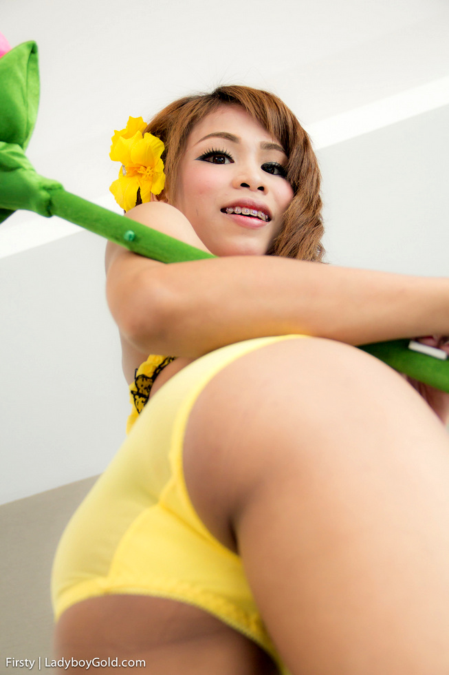 Bangkok Tgirl Firsty - Firsty Yellow Lingerie No Condom