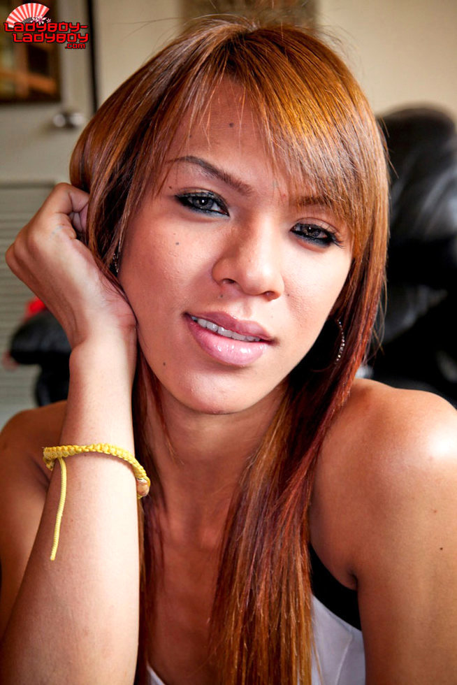 Bangkok Tgirl - Hot Eyes From Bkk