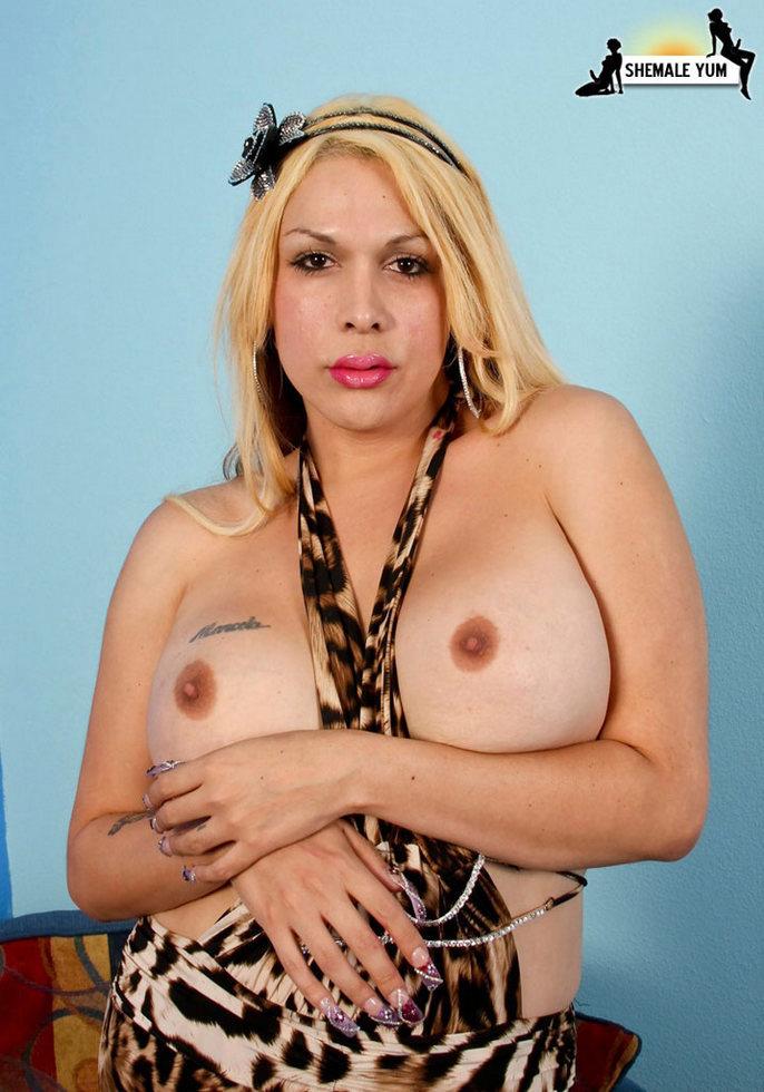 BBW Tgirl Arianna