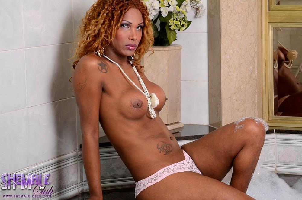 Black Ladyboy Mirella