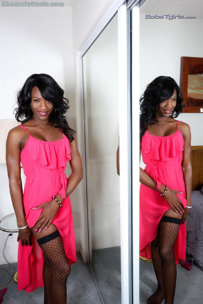 Black T-Girl Chanel Couture - Chanel Couture Size Comparison