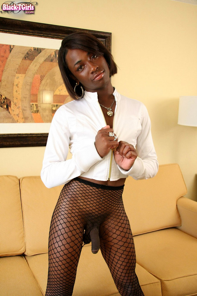 Black T-Girl Fia