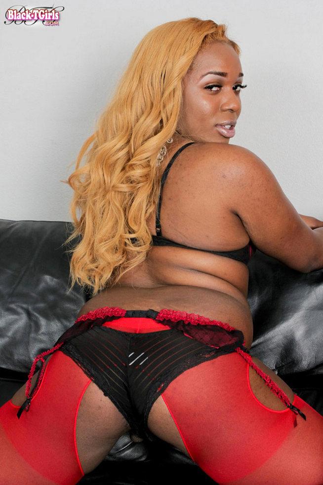 Black T-Girl Kandace Logan