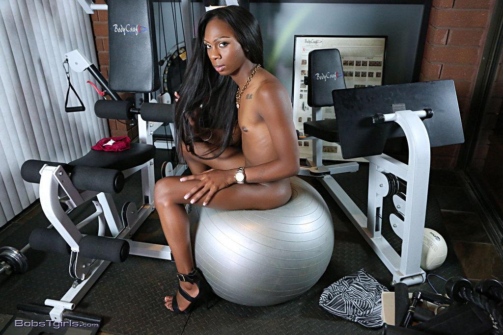 Black Tgirl Kourtney Dash - Kourtney Dash Enormous Workout