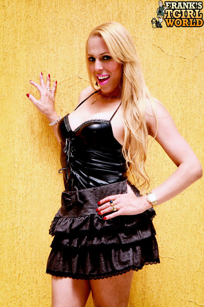 Blonde Ladyboy Fernanda Keller