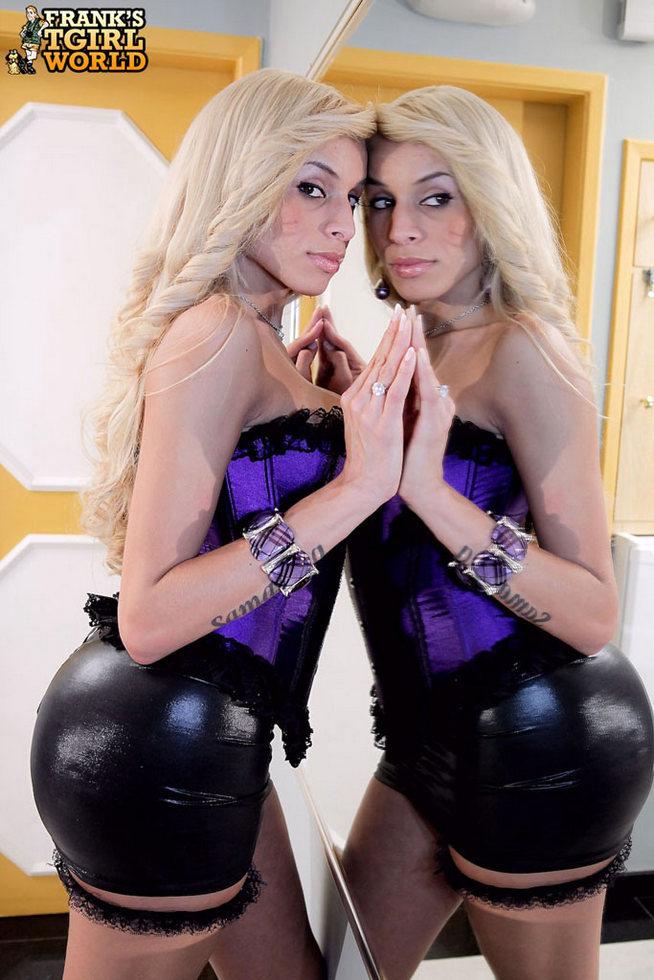 Blonde Tgirl Samantha Ferraz