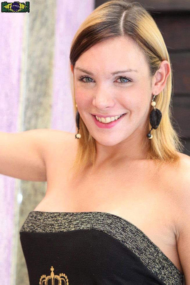 Brazilian Femboy Alexia Freire - Alexia Freire Stripper