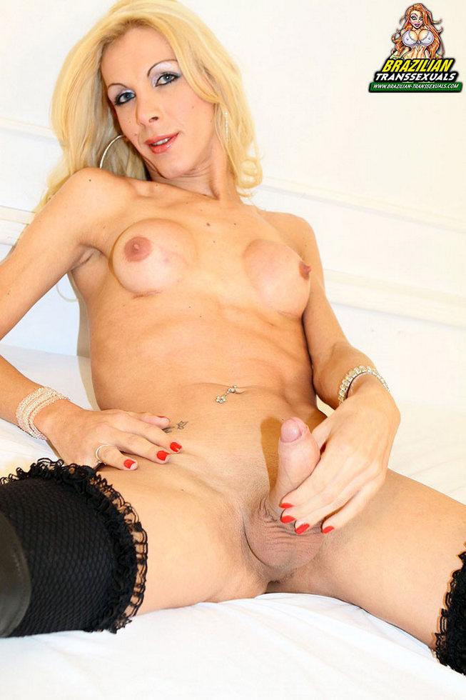 Brazilian Ladyboy Yasmin Hernadez