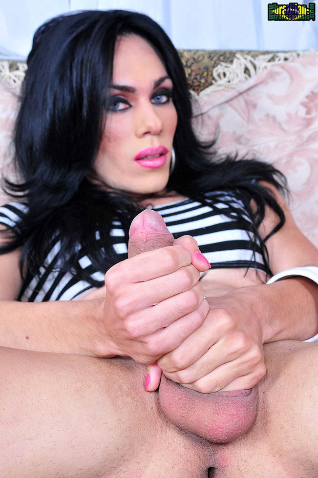 Brazilian Transexual Isabelly Killer
