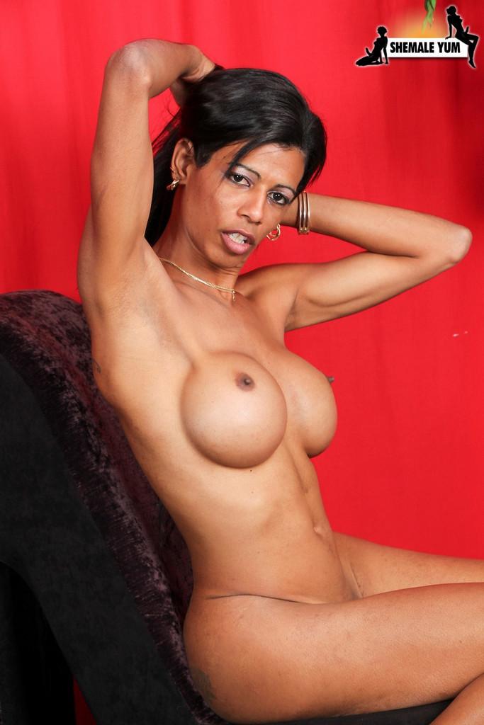 Ebony Femboy Naomi