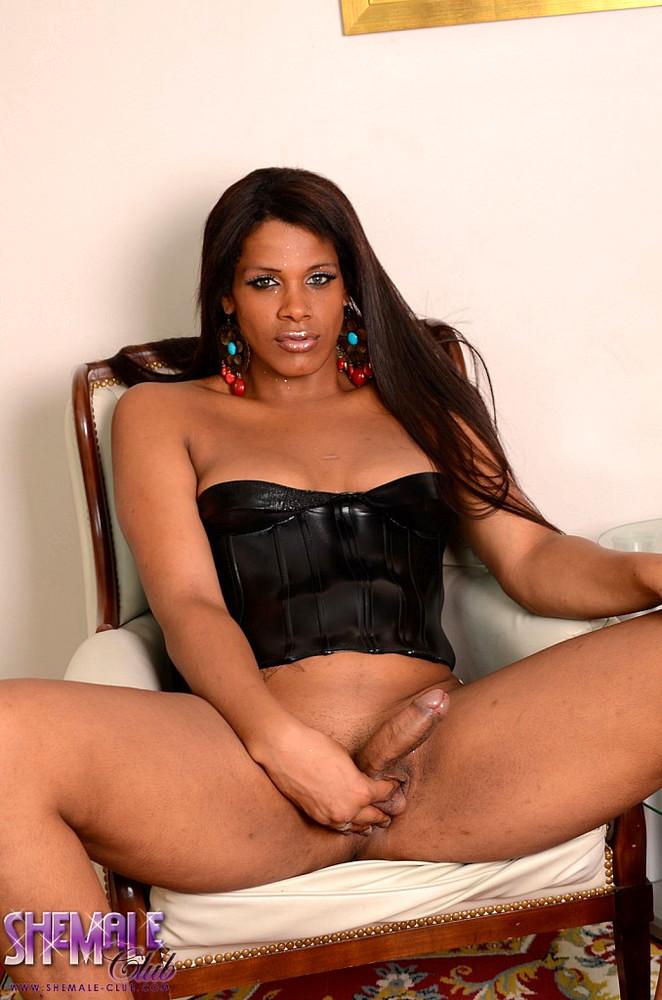 Ebony Ladyboy Rihanna
