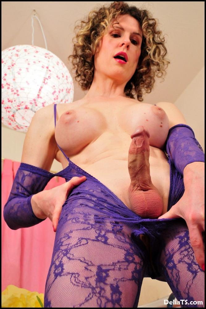 Enormous Dicked Transexual Delia