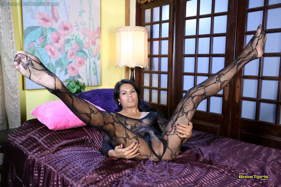 Exotic Transexual Malena - Malena In Bed