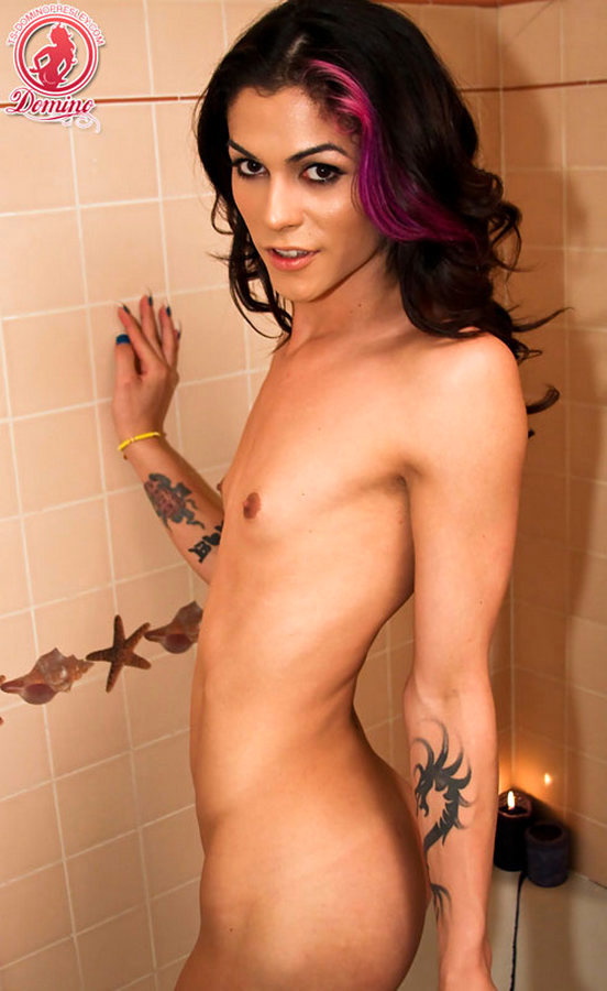 Femboy Domino Presley - Bubble Bath Time