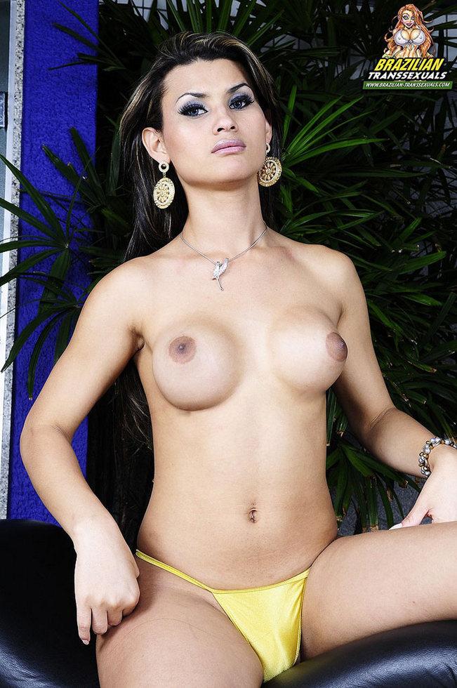 Hot Brazilian T-Girl