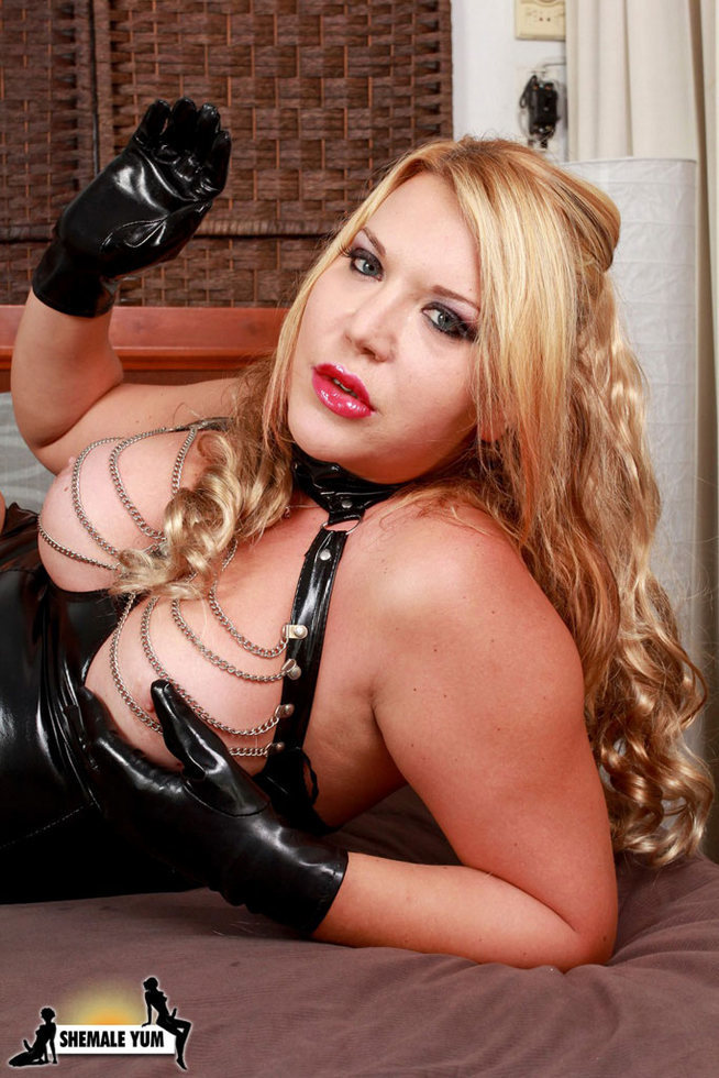 Italian Transexual Christina