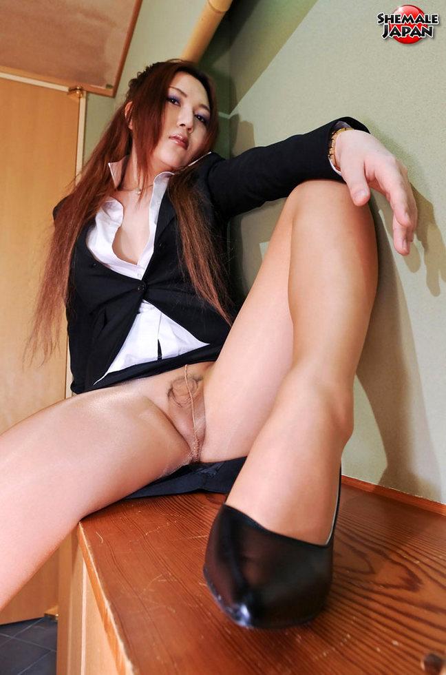 Japanese Ladyboy Mana Sakuragawa - Mana Sakuragawa Pantyhosed Office Girl