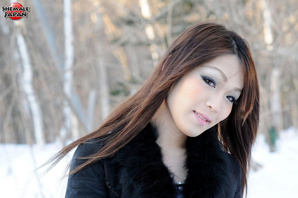 Japanese Tgirl Airi - Airi Winter Pics