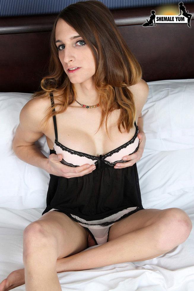 Ladyboy Kelly Klaymour - Kelly Klaymour Wow Juicy Dick