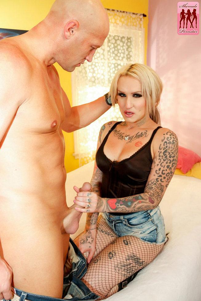 Ladyboy Pornstar Jenna Blaze
