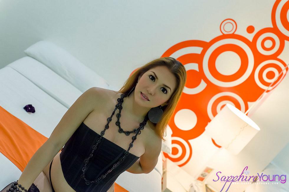 Ladyboy Sapphire Young - Orgwallcorset