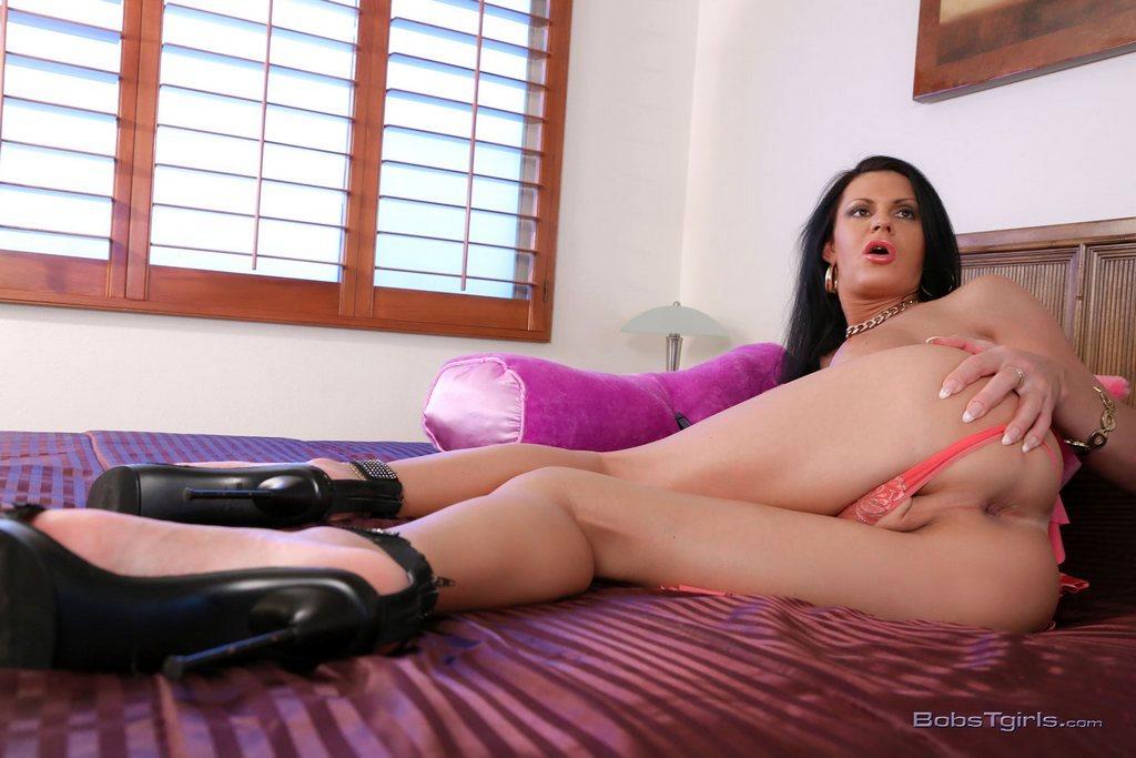 Latina T-Girl Lina Cavalli