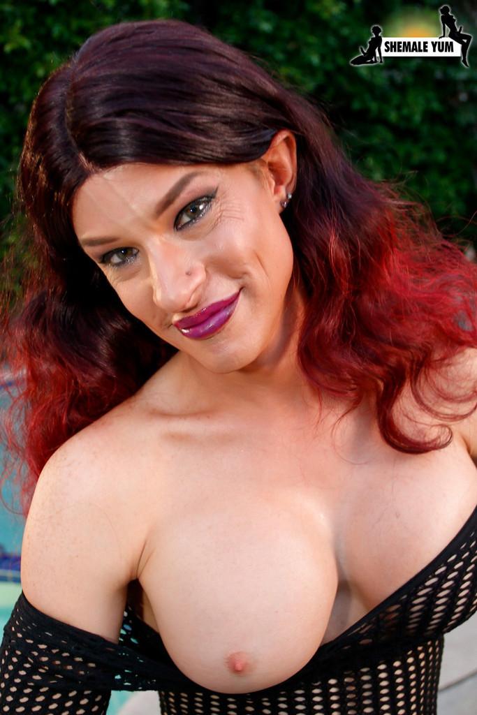 Mature Transexual Diamond Dall