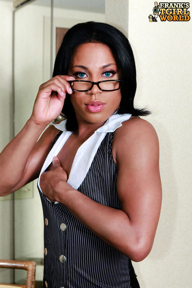 Office Transexual Kendra