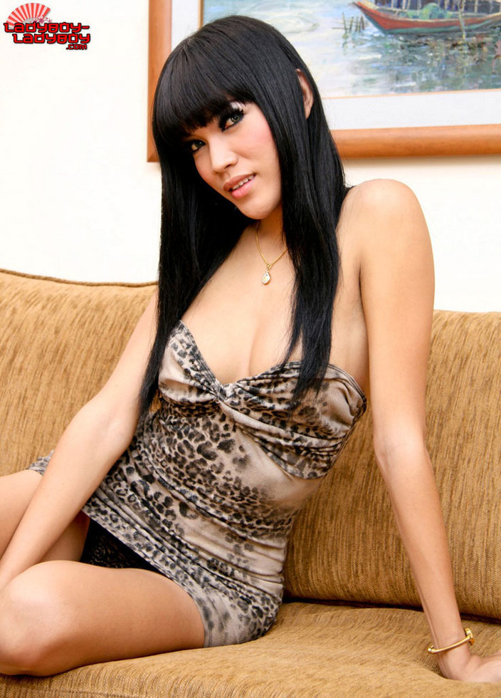 Pattaya Femboy - Cutie From Easy Bar