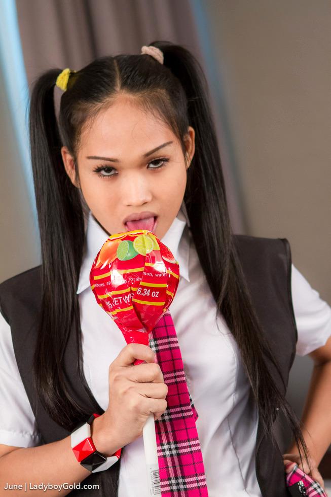 Pattaya Shemale June - June Lollipop Licker Schoolgirl
