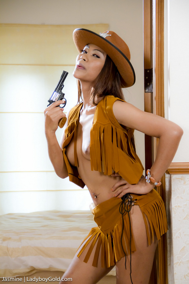 Pattaya T-Girl Jasmine - Jasmine Hung Cowgirl