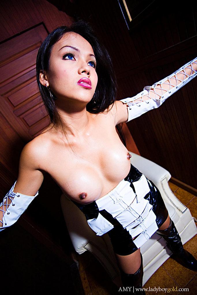 Pattaya Transexual Amy - Amy Black And White