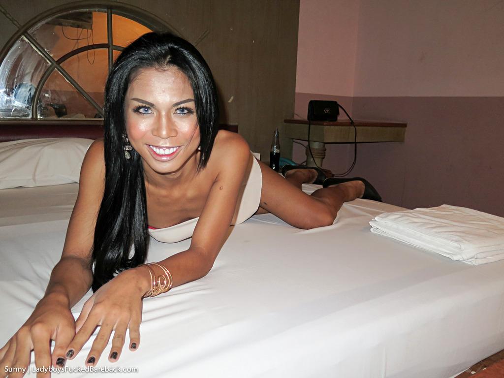 Pattaya Transexual Sunny Bare Back - Girlfriend Dress Creampie