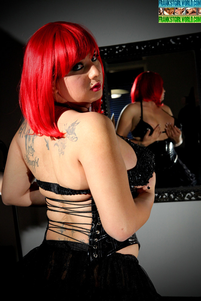 Redhead Transexual Stephany