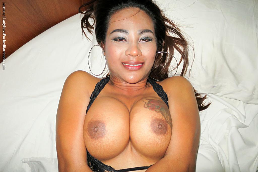 Shemale Jasmine Bare Back