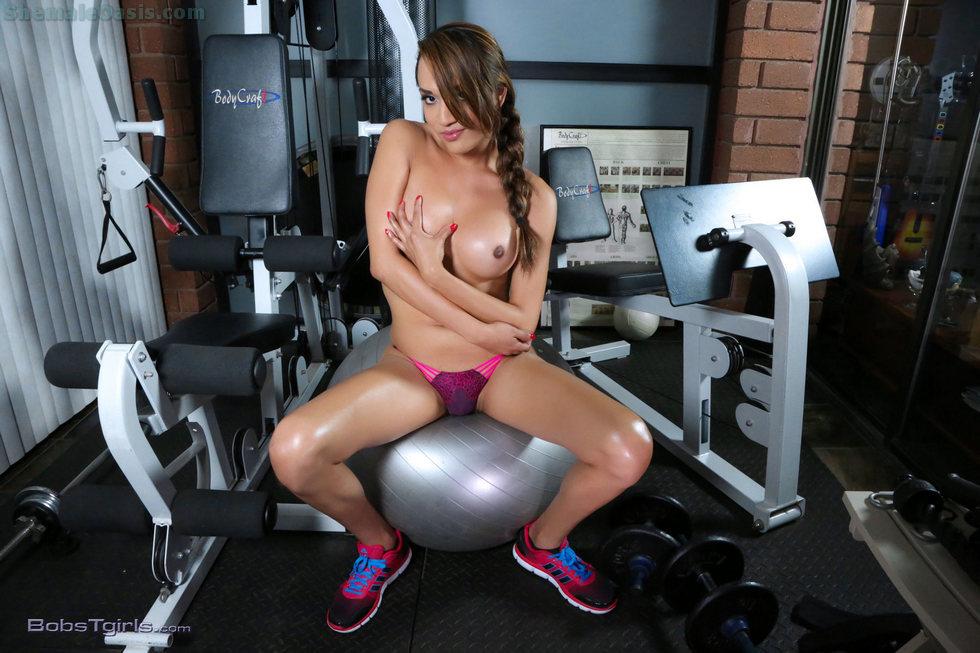 T-Girl Jessica Fox - Jessica Fox Bum Workout