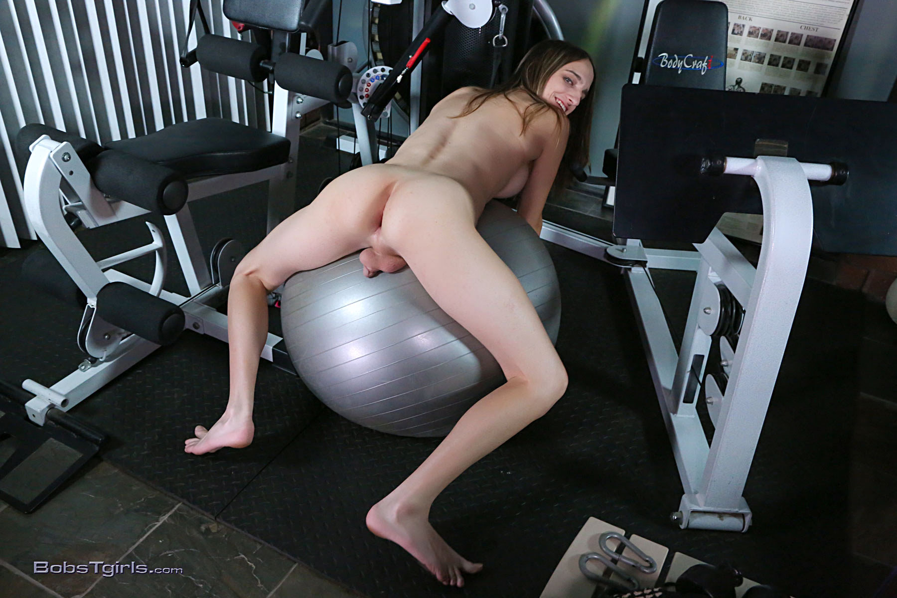 T-Girl Kelly Klaymour - Kelly Klaymour Sperm In The Gym