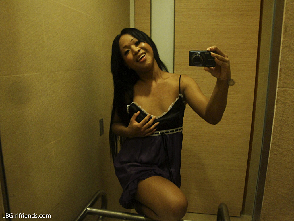 T-Girl Kem Private Pictures