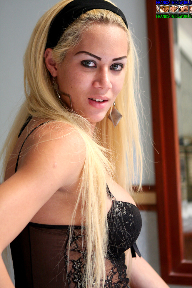 T-Girl Leticia Mell
