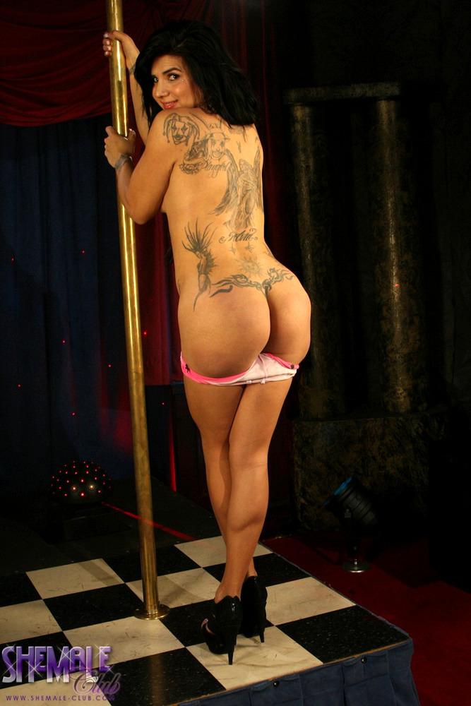 T-Girl Stephany Tricks