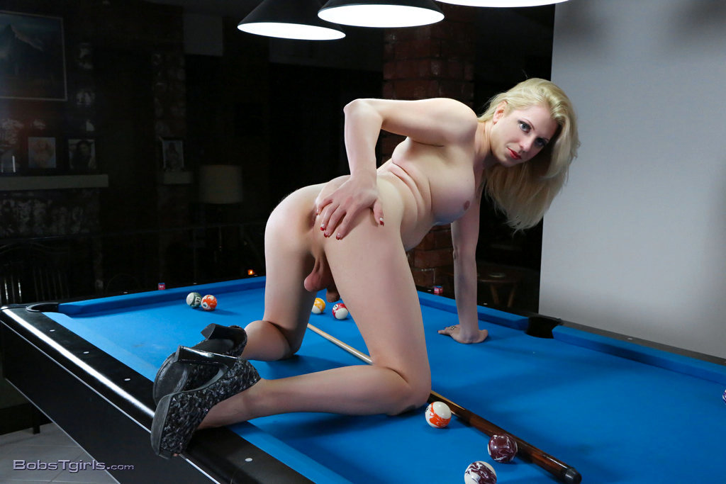 T-Girl Tyra Scott - Tyra Scott Balls And Dildo