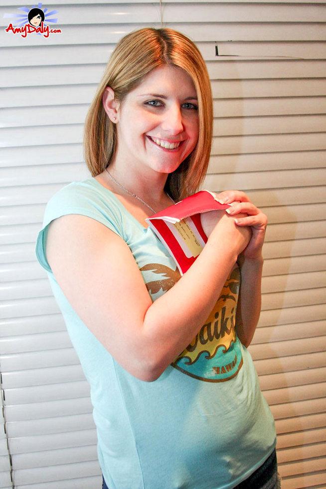 Tgirl Amy Daly - Hawaii Tshirt