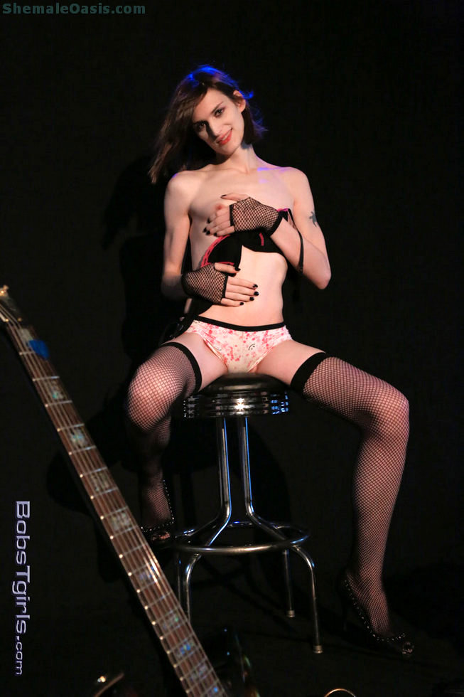 Tgirl Bird Mountain - Bird Mountain Guitar Girl