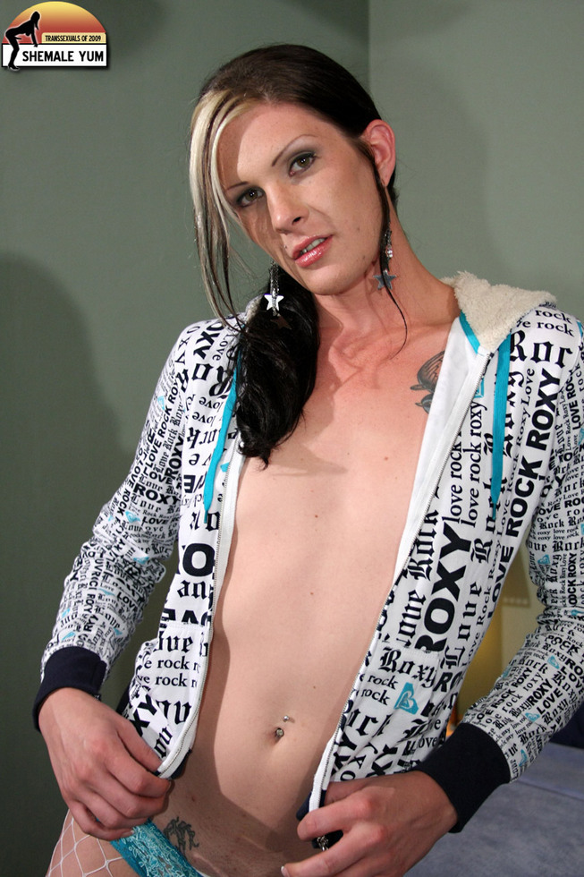 Transexual Morgan Bailey - Morgan Bailey Fishnet Pantyhose