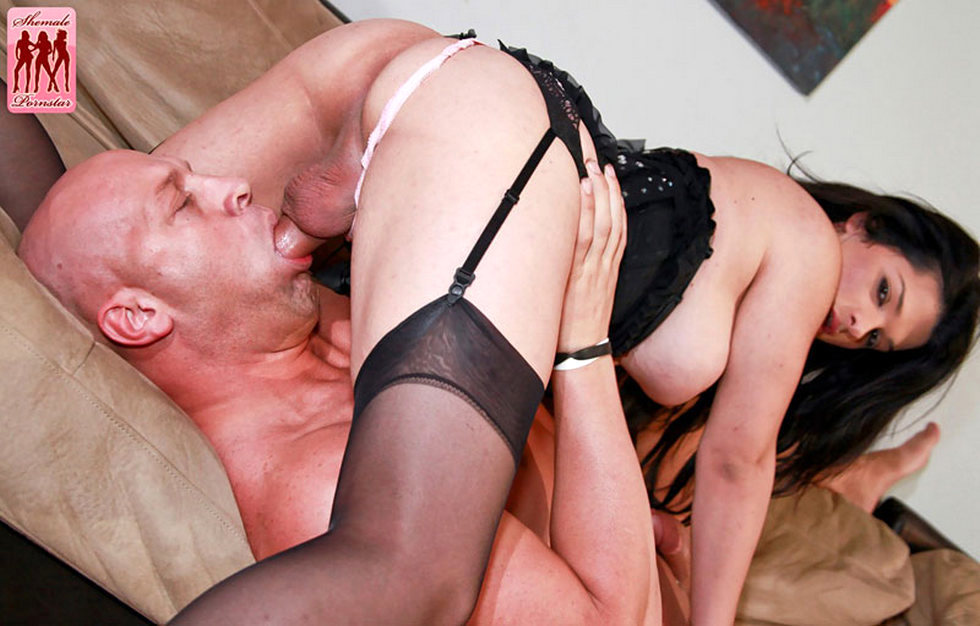 Tgirl Pornstar Britney Markham