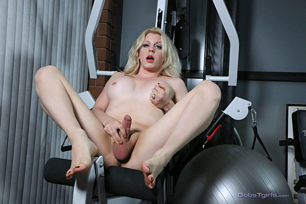 Tgirl Tyra Scott - Tyra Scott Lady And The Fleshlight