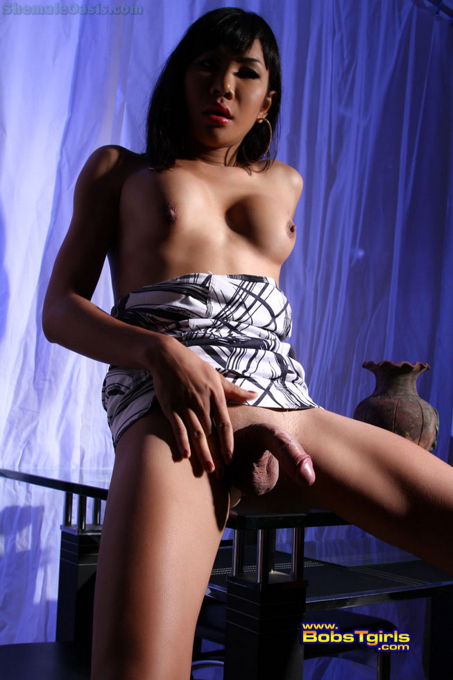 Thai Ladyboy Aem - Aem Blue Room