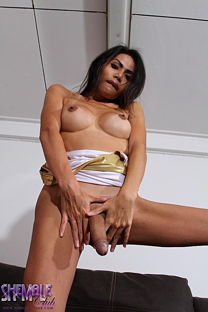 Thai Ladyboy Bibi - Bibi
