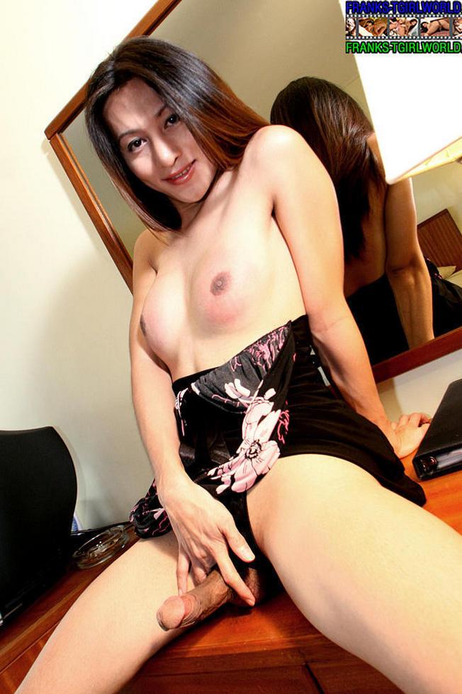 Thai Ladyboy Emma